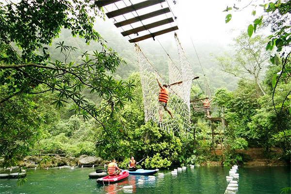 Quang Binh tourism combines team building